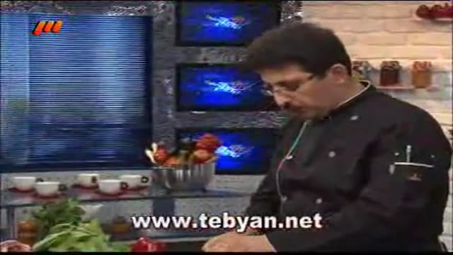 خوراک مرغ با اسفناج
