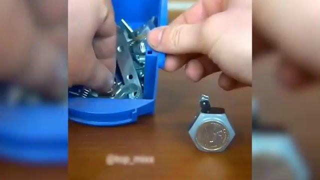 آموزش درست کردن هنرمندانه یک فندک با استفاده از مهره