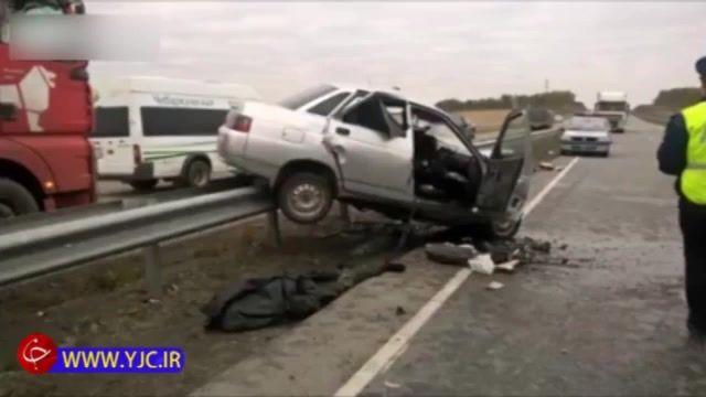 تصادف شاخ به شاخ به دلیل سبقت غیر مجاز و مرگ هر دو راننده