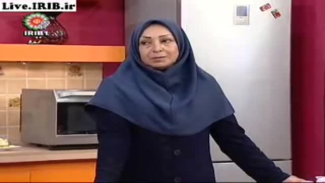 02 12 2012  پوران دخت نمیرانیان ترشی بادمجان وشور مخلوط1