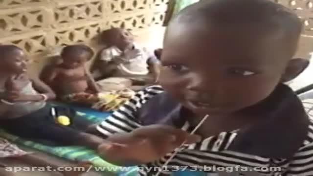 مداحی بسیار زیبای کودکان آفریقایی برای امام حسین (ع) : به ابی انت و امی یا حسین