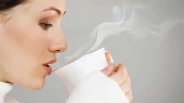 آب سرد بنوشیم یا آب گرم ؟ کدام بهتر است