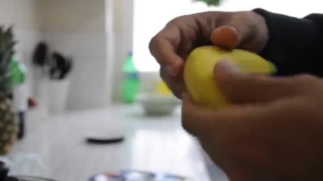 سریعترین روش پوست کندن موز به فارسی - Fastest Time To Peel A Banana