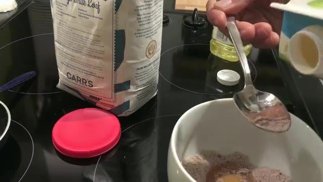 آموزش پخت کیک در ماکروویو در دو دقیقه - How To Bake Cake In Microwave