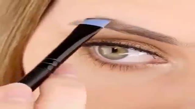 کشیدن ابرو با مداد
