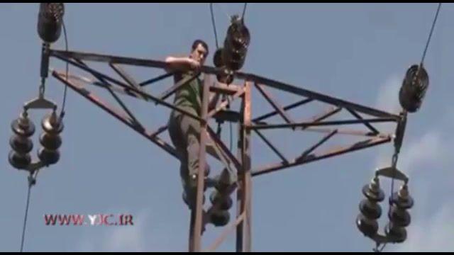 خودکشی از دکل برق فشارقوی