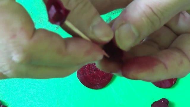 آموزش میوه آرایی لبو شکل گل رز  ویژه شب یلدا
